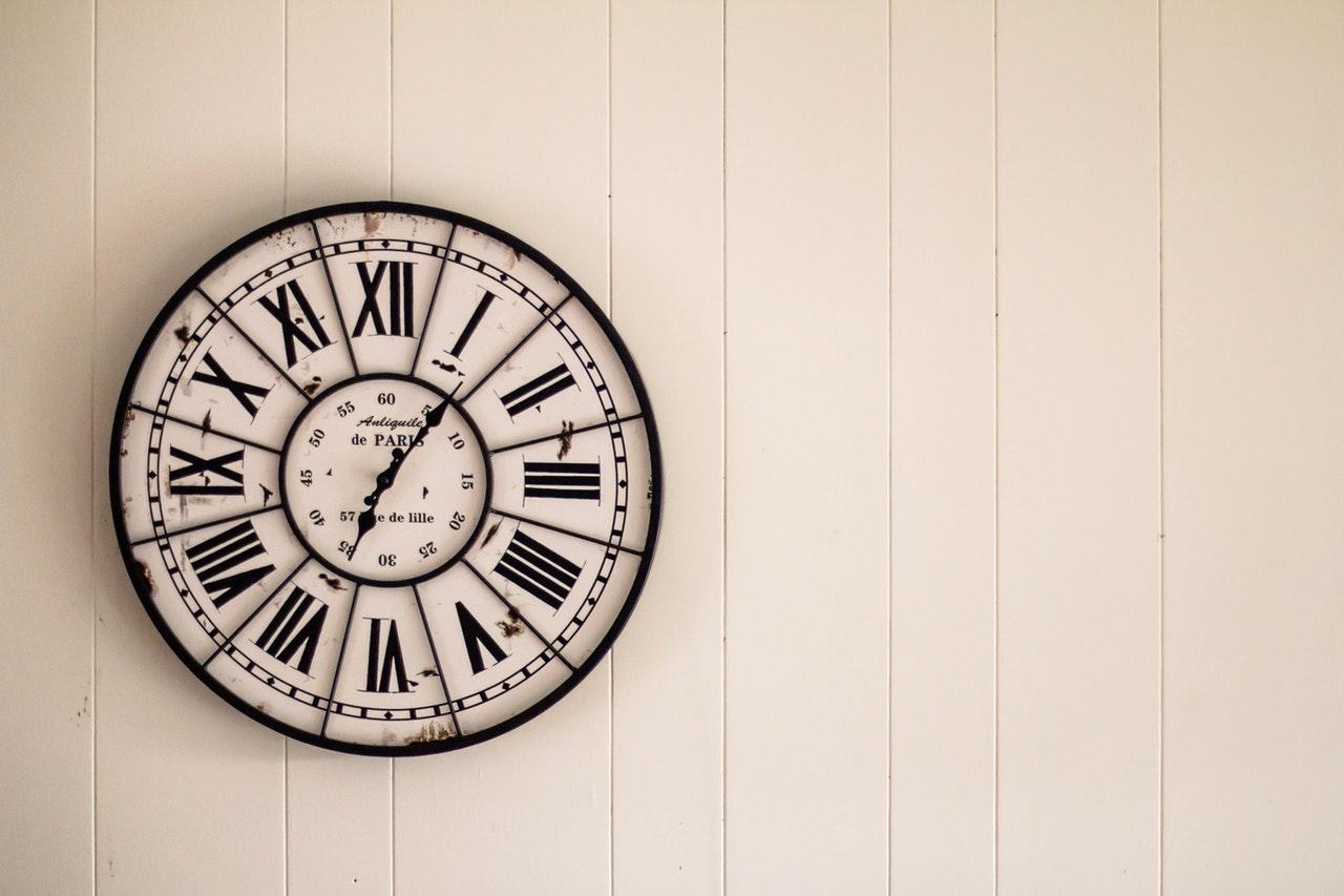 Choisir une horloge murale pour sa cuisine, comment faire ?